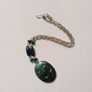 Statement Necklace - Oval Green Pendant